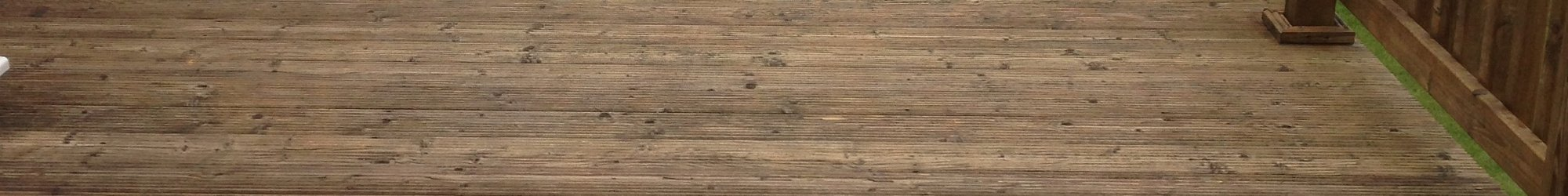 Decking Cleaning and Oiling